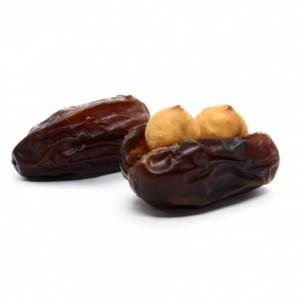 Dates with stuffed hazelnut